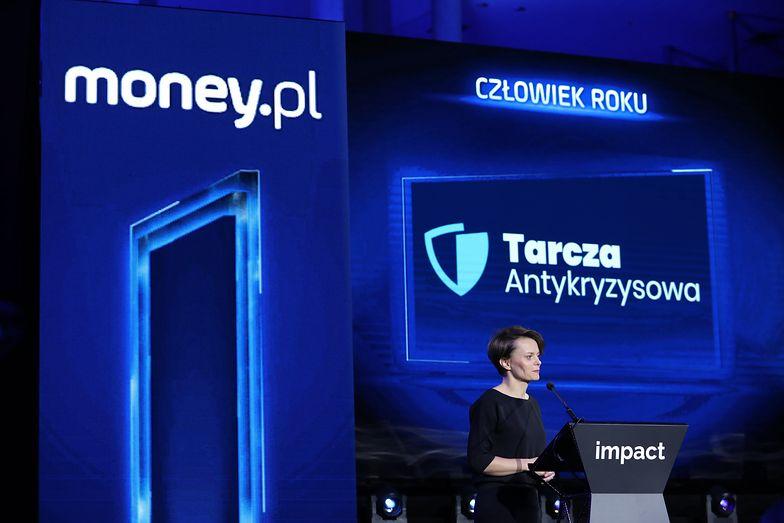 Nie polityk, nie biznesmen. To tysiące anonimowych pracowników administracji uratowało polską gospodarkę
