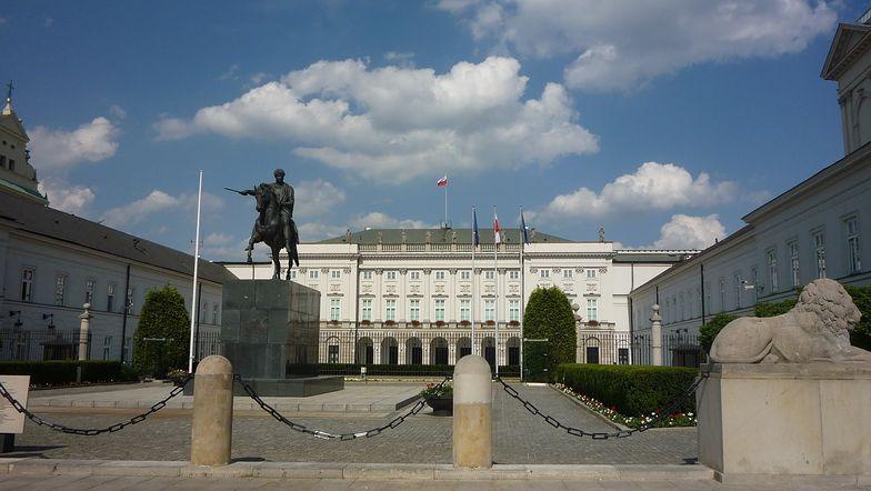Jest prawie pewne, że walka o to, kto przez 5 kolejnych lat będzie urzędował w Pałacu Prezydenckim, rozstrzygnie się w drugiej turze
