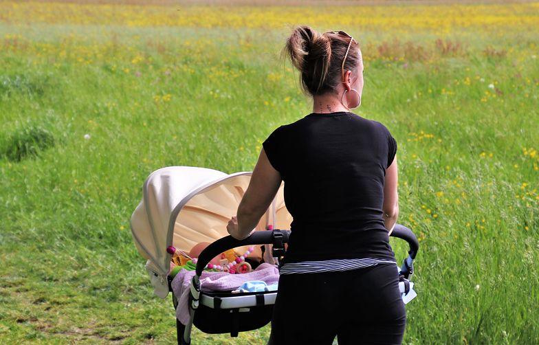 Tarcza antykryzysowa. Cięcia pensji nie wpływają na zasiłek macierzyński