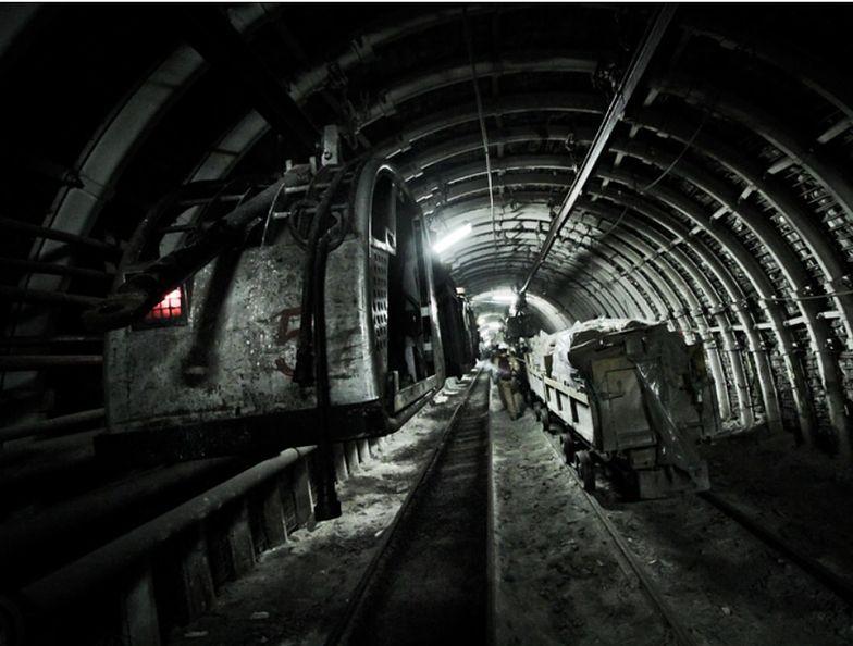 Władze kopalni informują, że przygotowania do wydobywania węgla z rekordowo długiej ściany trwały kilka lat