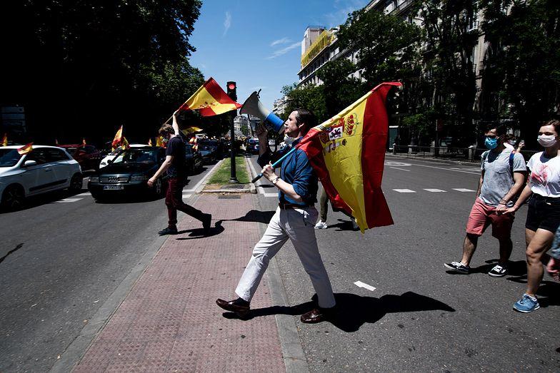 Antyrządowy protest w Hiszpanii. Kucharze wyszli na ulice.