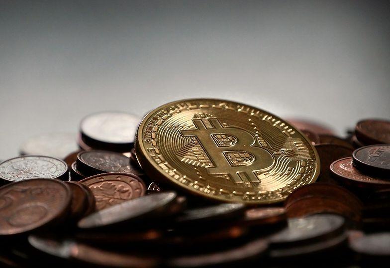 Bitcoin wciąż drożeje. Przebił 23 tys. dolarów