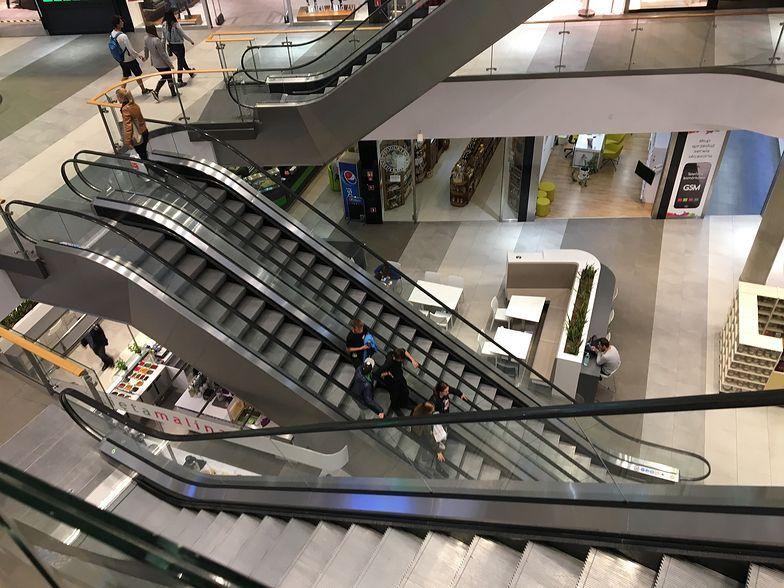 Obroty sklepów mniejsze o 40 proc. Przedsiębiorcy boją się powrotu obostrzeń.