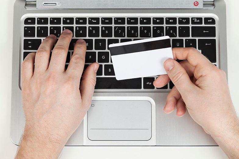 Karty podarunkowe nie mogą mieć daty ważności (zdj. ilustracyjne).