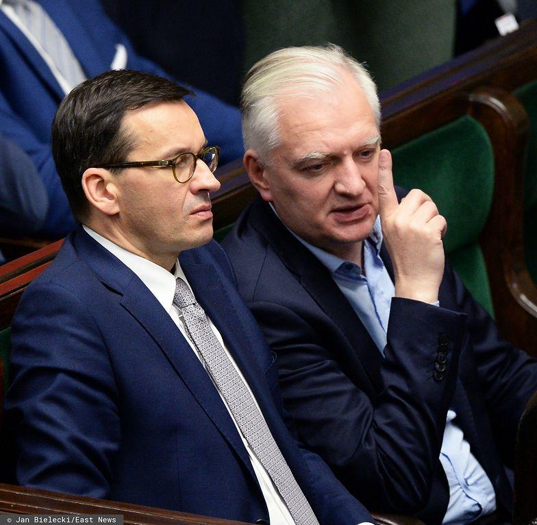 """""""Morawiecki był wyraźnie zdenerwowany"""". Jakie obostrzenia rząd szykuje na czwartą falę?"""