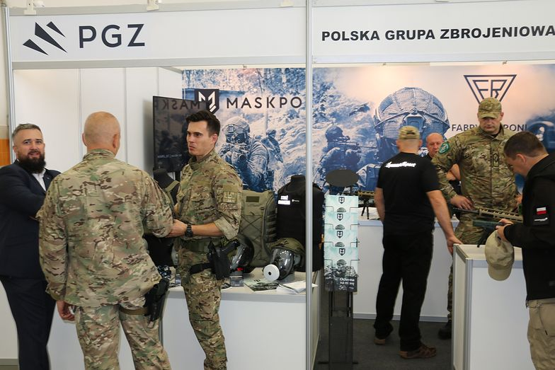 "POLSKA GRUPA ZBROJENIOWA NA TARGACH ""GRANICE"""