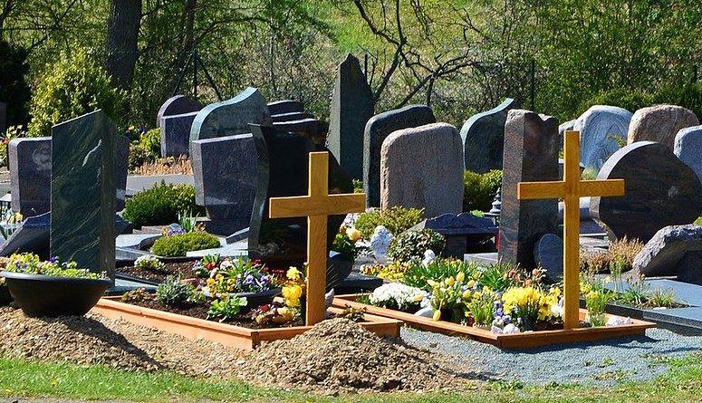Dom bliżej cmentarza? Rząd chce zmienić przepisy