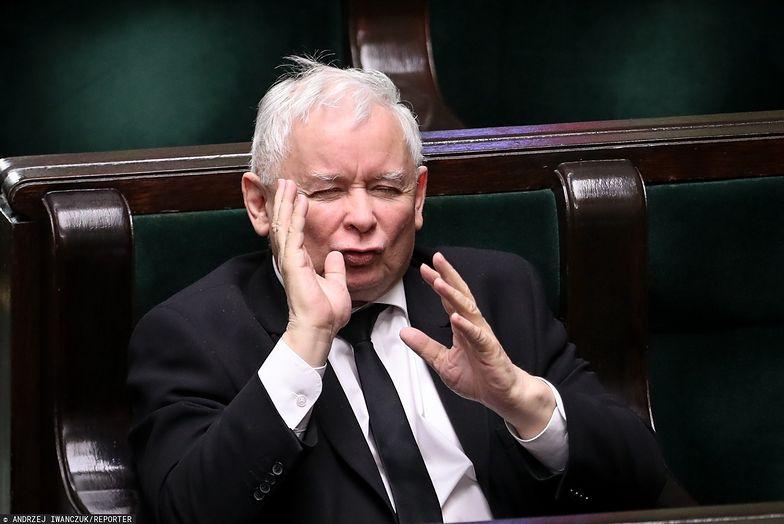 Podatek od mediów wróci? GW: Kaczyński chce go w Nowym Ładzie