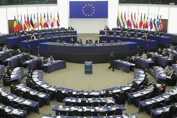 Komisja Europejska zatwierdziła polski program pomocy dla firm (zdjęcie ilustracyjne).