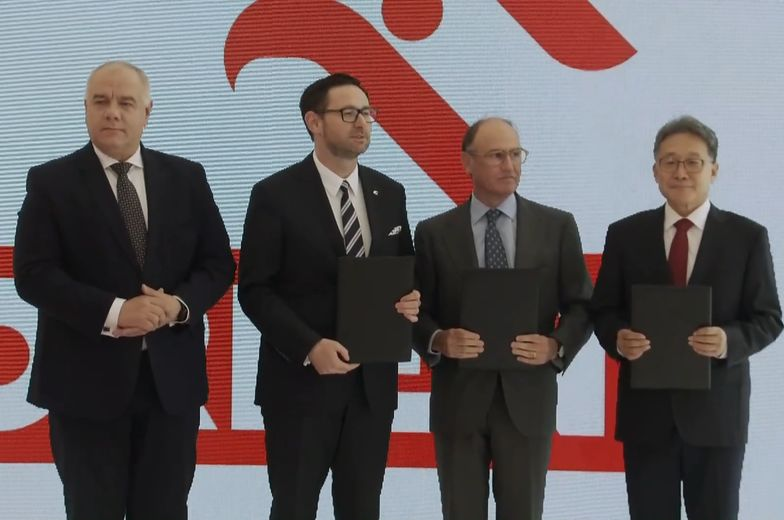 Orlen inwestuje i z przejęcia nie rezygnuje. Kaczyński: jest flagowym okrętem polskiej gospodarki