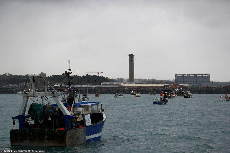 Brytyjskie uzbrojone łodzie skierowane na wyspę Jersey