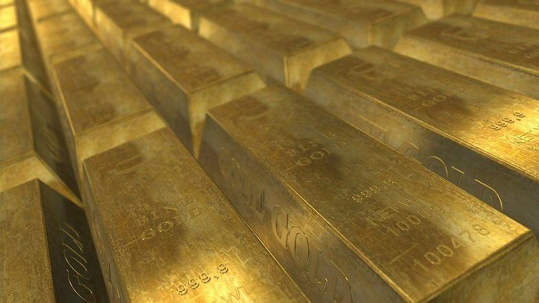 Cena złota. Notowania powyżej 1,8 tys. dolarów, najwyżej od ośmiu lat.