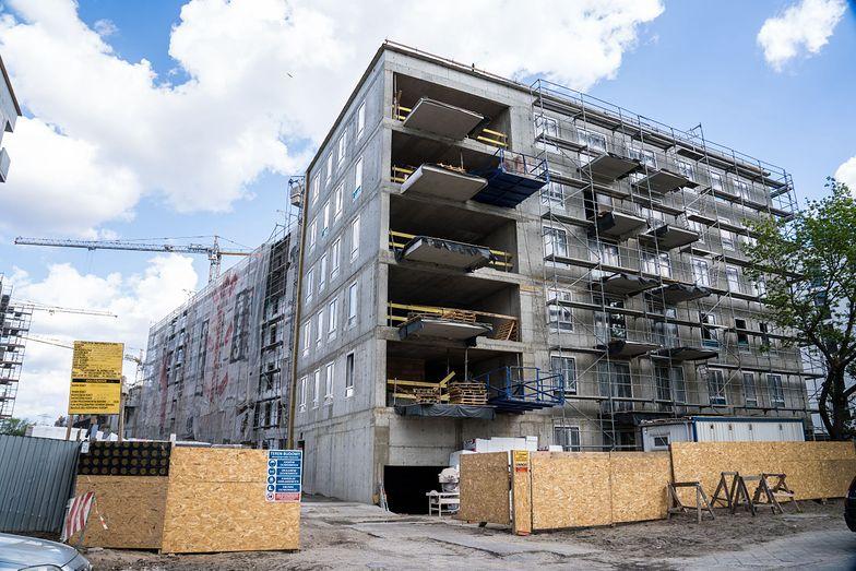 GUS: Liczba pozwoleń na budowę mieszkań spadła o 26,6% r/r w kwietniu