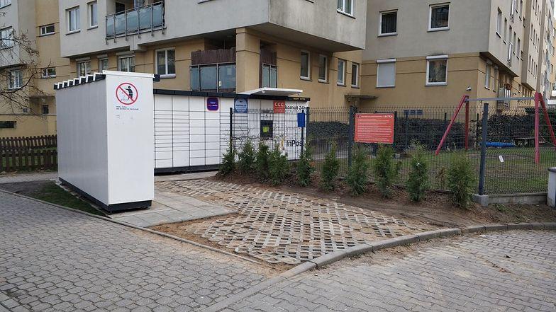 Lawina automatów do odbioru paczek. Polskim miejscowościom grozi paczkomatoza