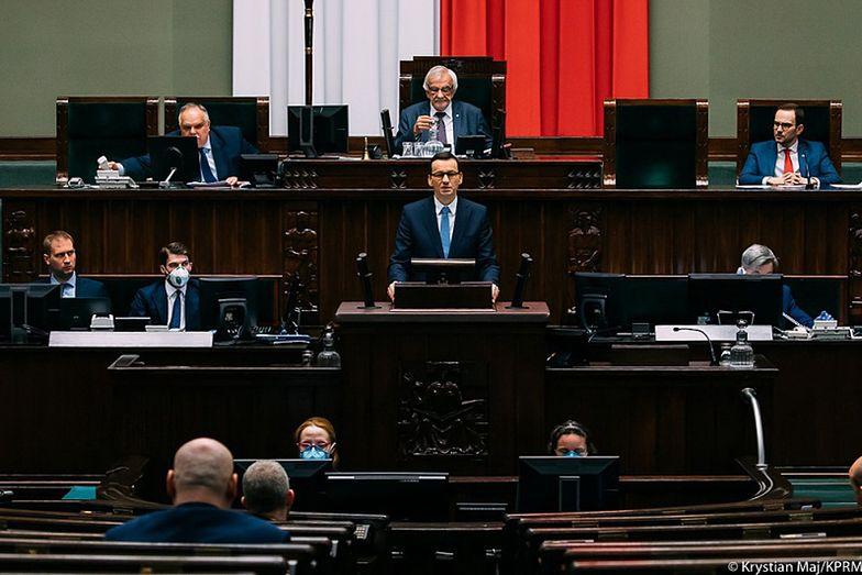 Złoty może lekko się osłabić, jeżeli spodziewane senackie weto nie zostanie odrzucone przez Sejm.