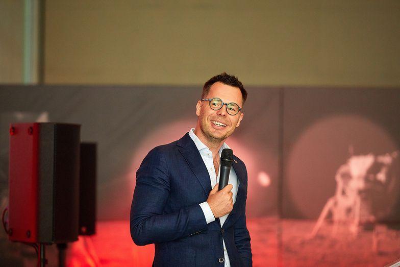 Prezes Wirtualna Polska Holding wyróżniony w konkursie Przedsiębiorca Roku EY. Jacek Świderski otrzymał Nagrodę specjalną