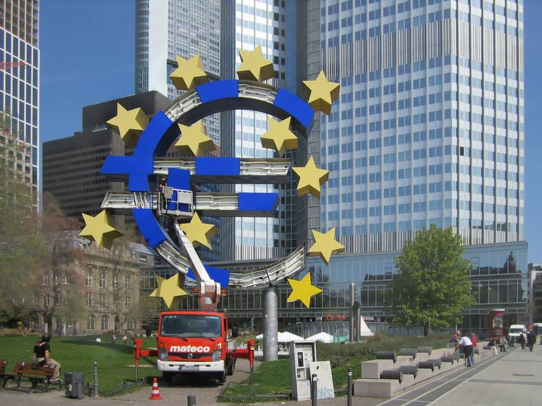 Wskaźnik PMI dla usług strefy euro wzrósł do 47,3 pkt w VI wg wst. danych