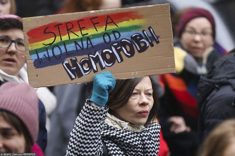 """Regiony, które określiły się jako """"strefy wolne od LGBT"""" mogą stracić unijne fundusze"""