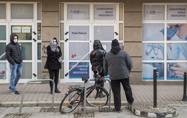 Polacy spędzą majówkę za granicą. W punktach wymazowych już to widać