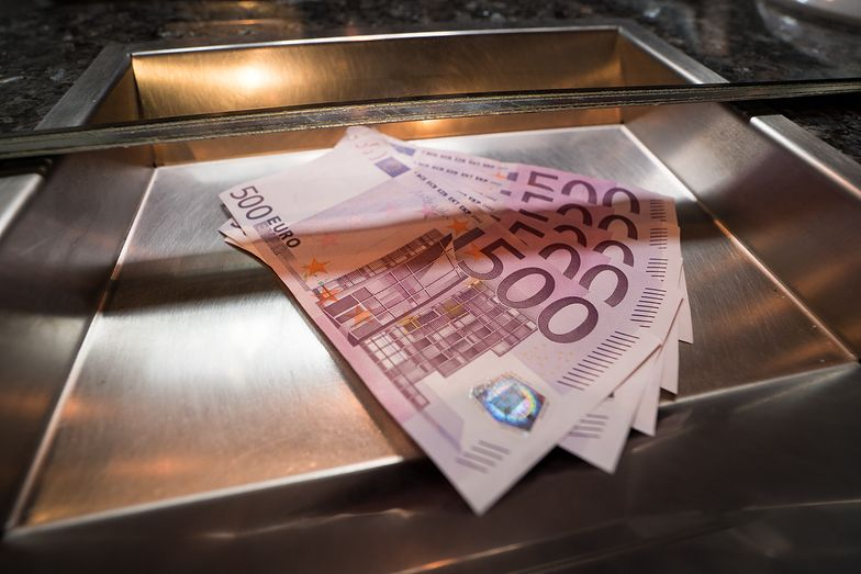 Kursy walut. NBP podtrzymuje gotowość do interwencji