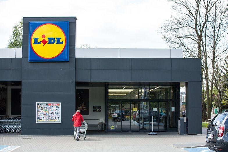 Pandemia COVID-19 uderzyła w sklepy. Sieci jednak przyspieszają inwestycje