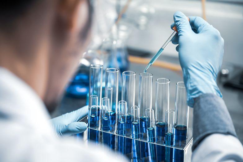 Biomed-Lublin robi kolejny krok w produkcji leku na COVID-19. Preparat trafi do ampułek
