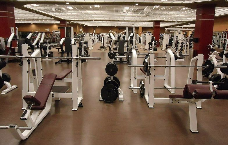 Kontrole w siłowniach. Sypią się mandaty
