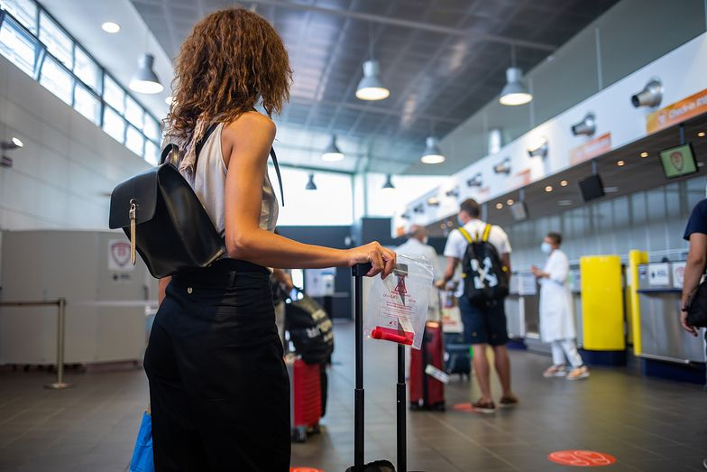"""Zakaz lotów. Lista wydłuży się od 1 września. Francja i Chorwacja w """"grupie ryzyka"""""""