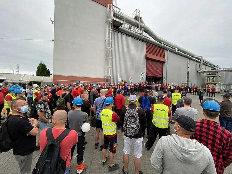 """Strajk w fabryce Paroc Polska zakończony? """"Decyduje się właśnie to, czy zakład ruszy"""""""