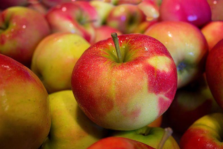 Ceny owoców podlegają nieustannym wahaniom, ale musiałby się zdarzyć cud, byśmy za jabłka płacili tyle, co rok temu