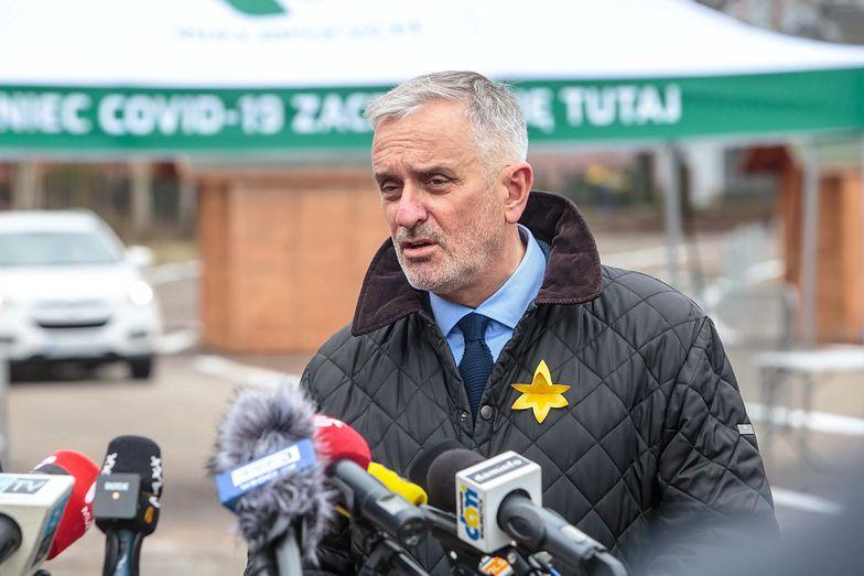 Prezydent Wałbrzycha dorabia w szpitalu. Zarobił setki tysięcy od początku roku