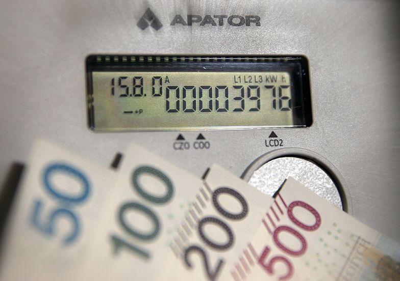 Unia reaguje na wysokie ceny prądu. Proponuje, żeby płacić za niektórych rachunki
