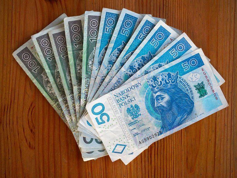 Średnia płaca w Polsce to prawie 5500 zł brutto.