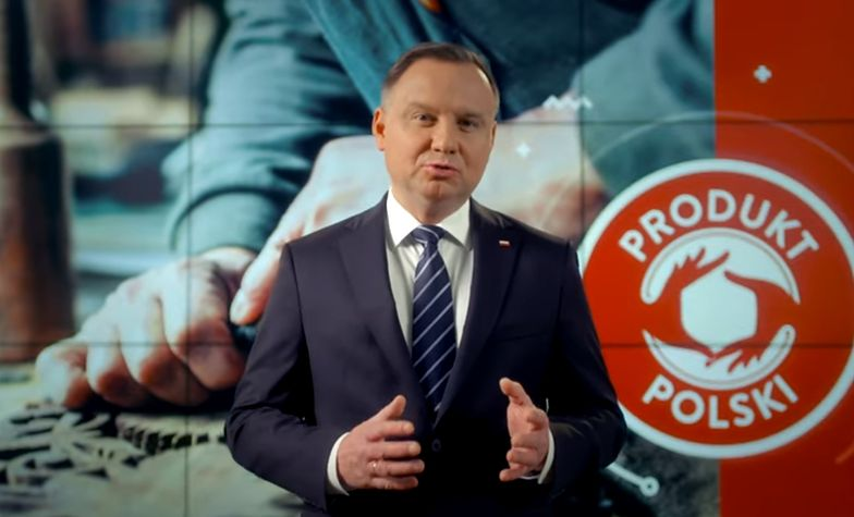 W spocie Andrzeja Dudy w tle znalazło się nielegalne logo.