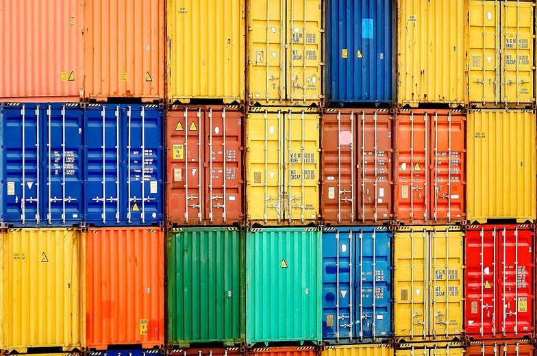 Import z Chin stale rośnie - to efekt wojny handlowej na linii USA-Chiny.