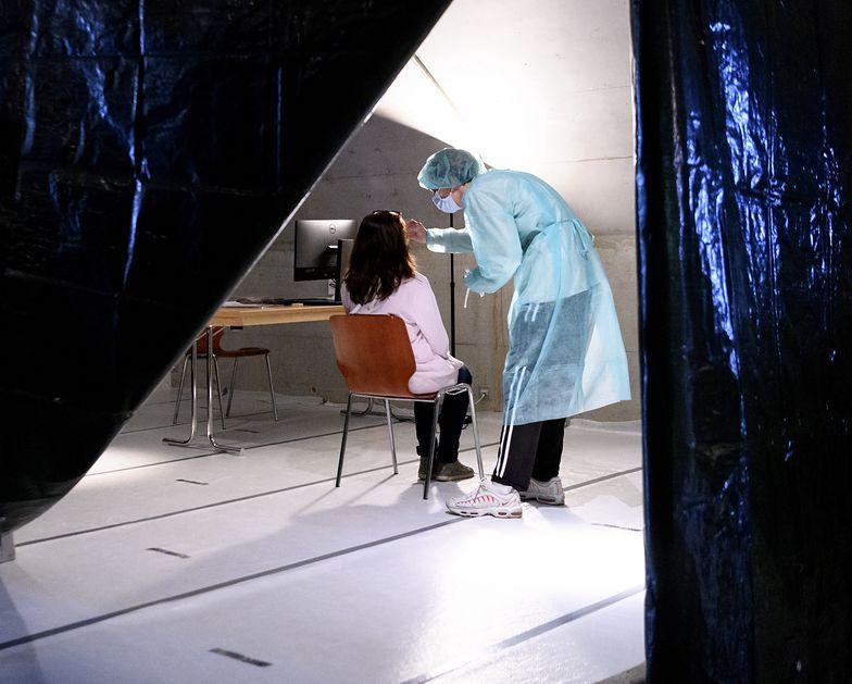 Koronawirus rozkłada nie tylko służbę zdrowia. Pracodawcy skarżą się na system