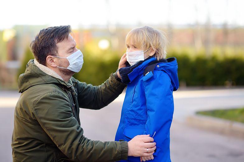 Maski zamiast odzieży termoaktywnej.  Jak polska firma ze Zduńskiej Woli poradziła sobie z pandemią
