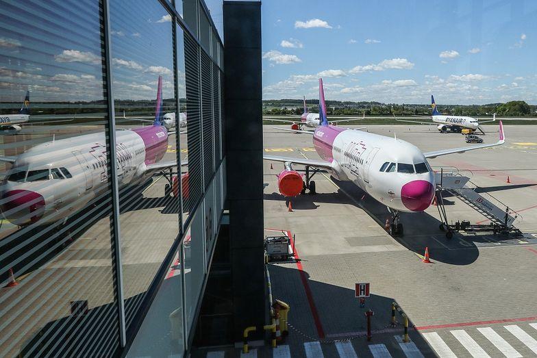 Wizzair i Ryanair czekają na decyzję Polski o otwarciu granic. LOT realizuje już rejsy, ale wyłacznie krajowe