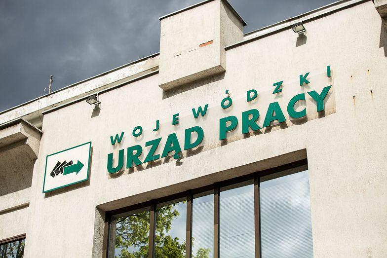 Kubisiak z PIE: Rynek pracy odbuduje się w 2022 r., problemy podażowe pozostaną