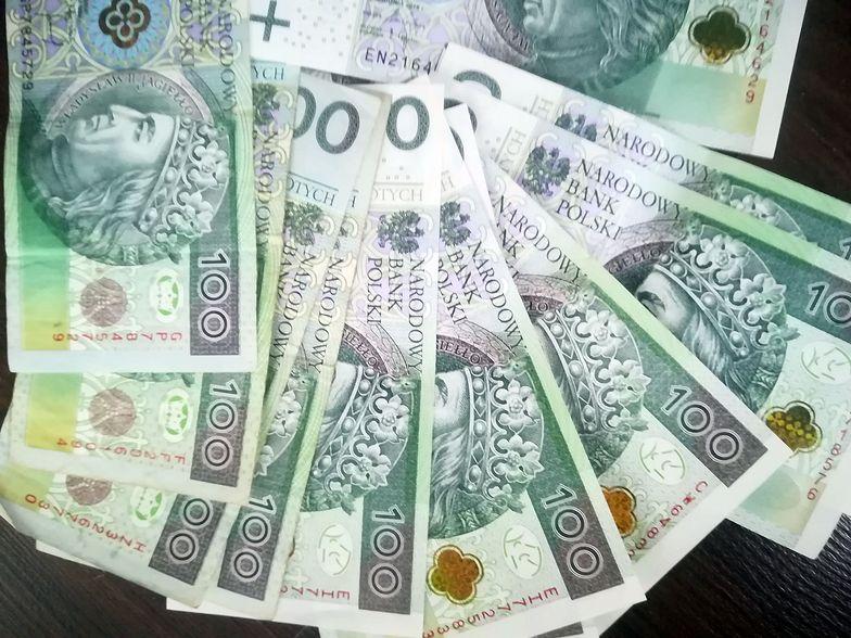 """Pieniądze z """"tarczy 4.0"""" będą mogły być kierowane także do kościołów i związków wyznaniowych"""