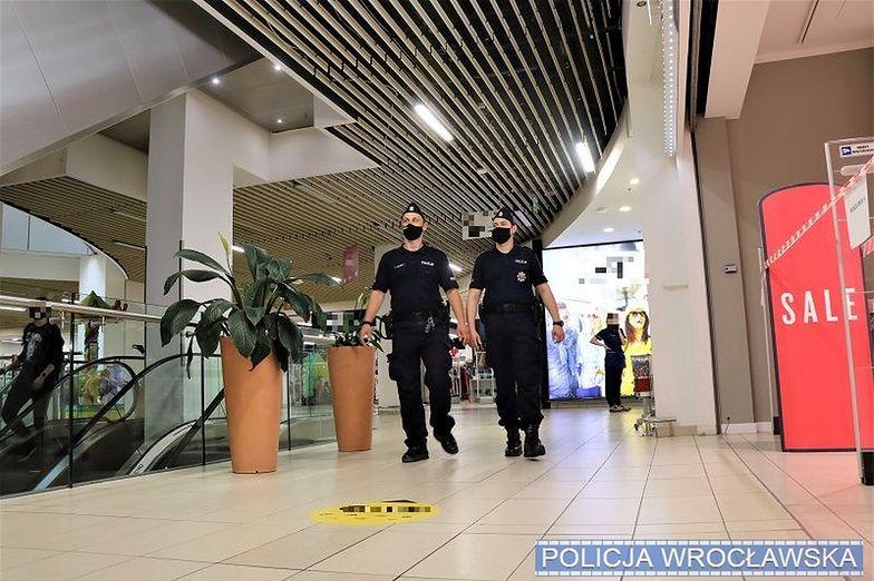Mandaty za brak maseczki. Policja ukarała 13 tys. osób