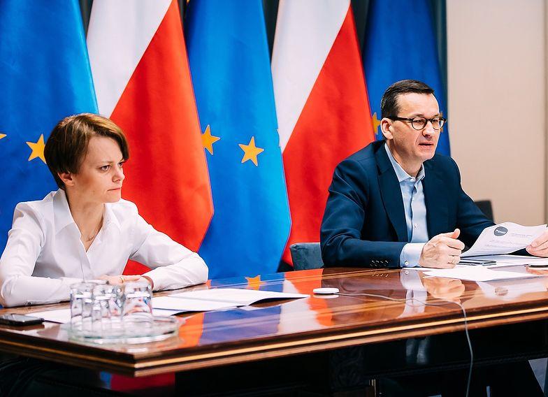 Jadwiga Emilewicz i Mateusz Morawiecki negocjują już z galeriami handlowymi. Na stole pojawił się szereg propozycji
