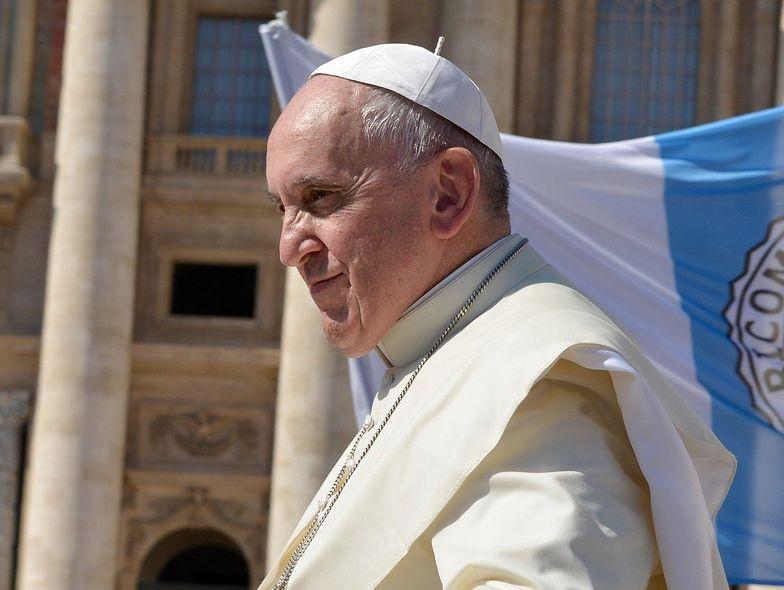 """Papież krytykuje najbogatszych. """"Prawdziwym cudem jest dzielenie się"""""""