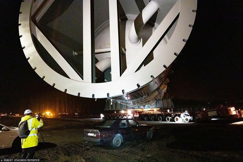 Police. 888-tonowe urządzenie wjechało na plac budowy