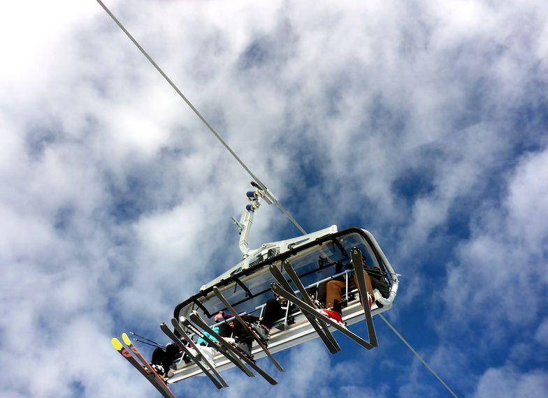 Wyciągi narciarskie włączone. Rząd: to celowa decyzja