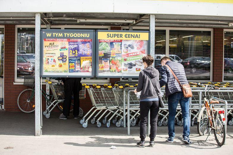 Biedronka rozpoczyna pilotażową sprzedaż gazet lokalnych w 75 miejscowościach