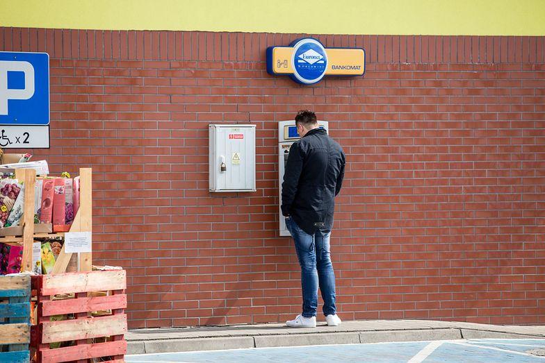 Nowe limity wypłat z bankomatów - możesz nie wypłacić więcej, niż 1000 złotych