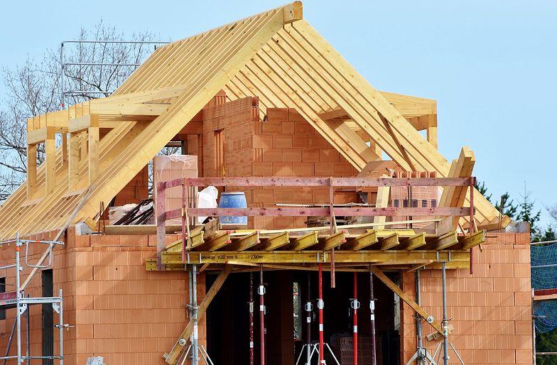 Polacy stawiają domy. Biorą coraz więcej kredytów