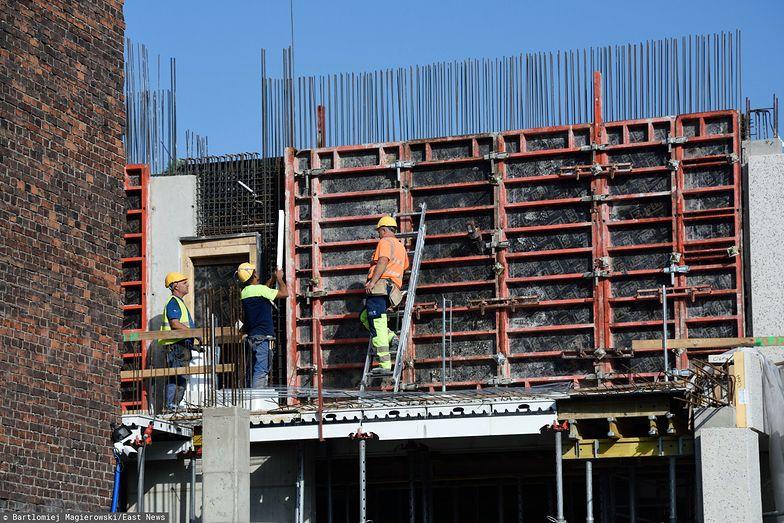 Dramat na budowach. Nie ma kto pracować, a ceny robocizny rosną