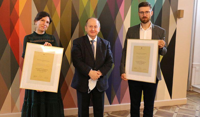 Redaktor naczelny money.pl Sebastian Ogórek otrzymał Nagrodę dziennikarską im. M. Krzaka
